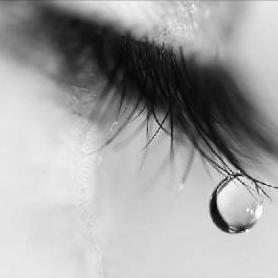 larme triste