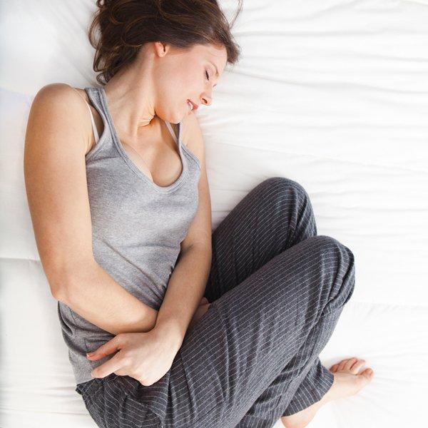 Gastro-entérite dans !! Hôpitaux, médecins et Examens !! femme-douleur-ventre